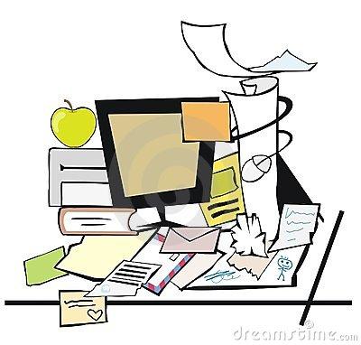 messy-desk-649676